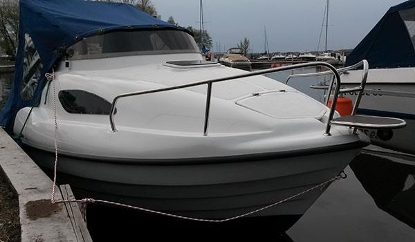 Jacht motorowy F425 - Nie wymaga patentu